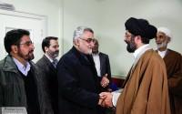 خبر تصویری : عیادت رئیس کمیسیون امنیت ملی از حضرت آیت الله طبسی