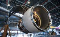 بازدید بروجردی از مرکز تعمیرات اساسى موتور هواپیما در فرودگاه پیام کرج