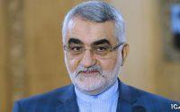 بروجردی: حضور مسئولین در میهمانیهای مختلط سفارتخانهها قابل قبول نیست